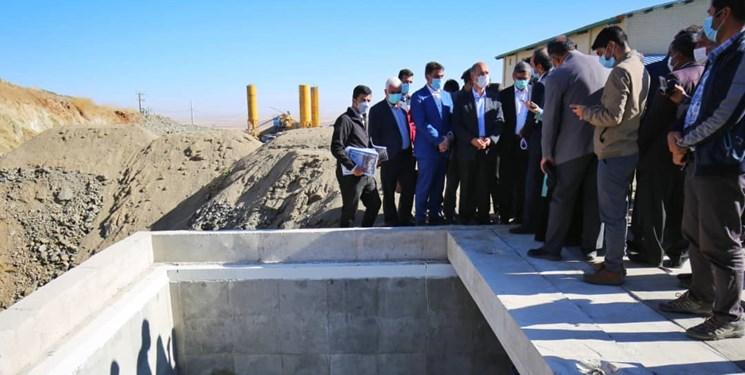 بازدید وزیر نیرو از تصفیهخانه آبرسانی سد تالوار به همدان
