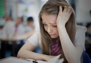 ۹۷درصد از زنان ۱۸ تا ۲۴ ساله انگلیسی مورد «آزار و اذیت جنسی» قرار گرفتهاند!