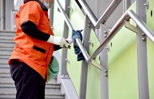 مراحل نظافت دقیق و کم دردسر راه پله ها