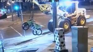 شگرد عجیب سارق برای سرقت دوچرخه