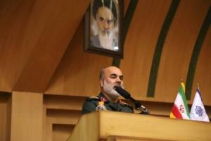 مقام سپاه: اگر ملل اسلامی در کنار هم بیایند مانند سیل استکبار را نابود میکند