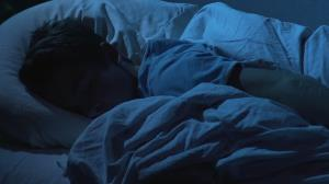 چرا در زمستان به سختی از خواب بیدار میشویم؟