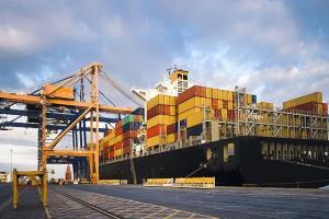 ۱۰ کشتی حامل کالای اساسی تا ۲ هفته آینده وارد بندرشهیدرجایی میشود