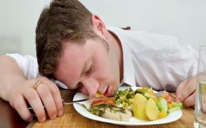 چطور دچار مسمومیت های غذایی خانگی نشویم؟ ۱۲ گام موثر