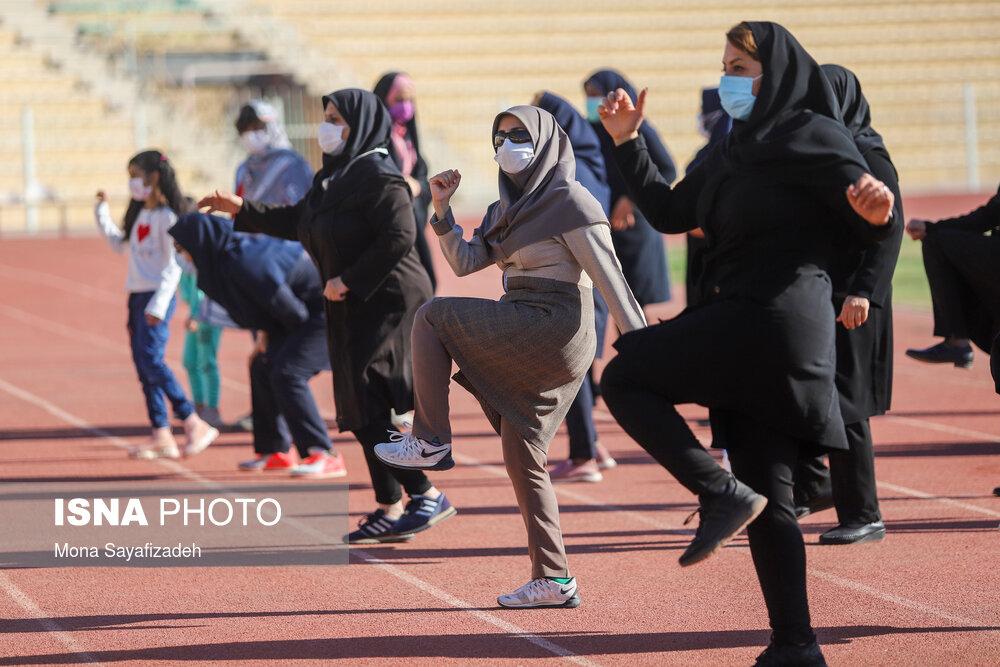 جشنواره ورزشی بانوان شاغل به مناسبت هفته تربیت بدنی