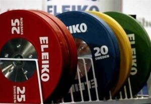 بانوی وزنهبرداری نهاوند در مسیر مسابقات آسیایی