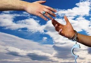 رهایی محکوم به قصاص پس از ۱۲ سال حبس در بردسیر