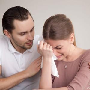 نبود صداقت بین زوجین چه آسیبهایی به زندگی مشترک میزند؟