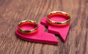 درخواست طلاق بخاطر هزینه دانشگاه