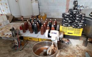 کشف و جمعآوری ۳۰۰۰ لیتر نوشیدنی تقلبی در شیراز