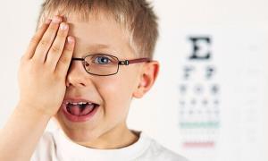 نشانههای هشدار تنبلی چشم کودکان