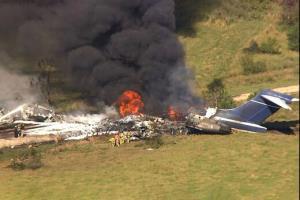 نجات معجزهآسای سرنشینان هواپیما پس از سقوط!