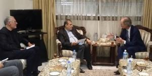 مشاور ارشد وزیر خارجه با نماینده ویژه سازمان ملل در امور سوریه دیدار کرد