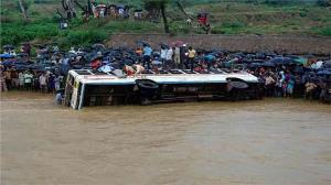 سقوط کامیون به داخل رودخانه در کنگو ۵۰ کشته برجا گذاشت