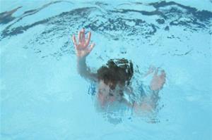 غرق شدن کودک ۵ ساله جیرفتی در حوضچه گلخانه
