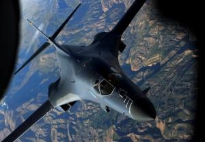 پرواز دو بمبافکن راهبردی آمریکا بر فراز دریای سیاه