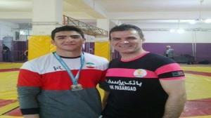 دعوت پدر و پسر ورزشکار کردستانی به اردوی تیم ملی کشتی آزاد