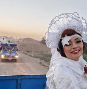 چهره ها/ گریم دهه شصتی یکتا ناصر با لباس عروس در «نیسان آبی»