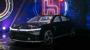 فاکسکان با معرفی سه خودروی برقی وارد صنعت خودروسازی شد