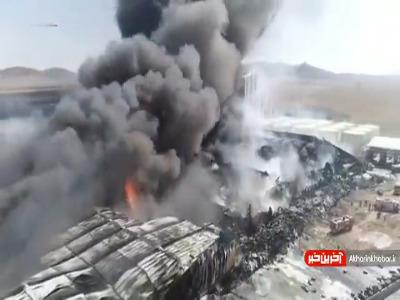 تصاویری از آتش سوزی گسترده در کارخانه مواد غذایی؛ خسارت چهار هزار میلیارد تومانی