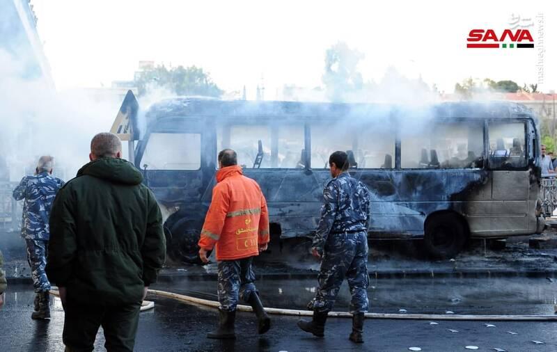 عکس/ انفجار تروریستی در مسیر یک اتوبوس نظامی در دمشق