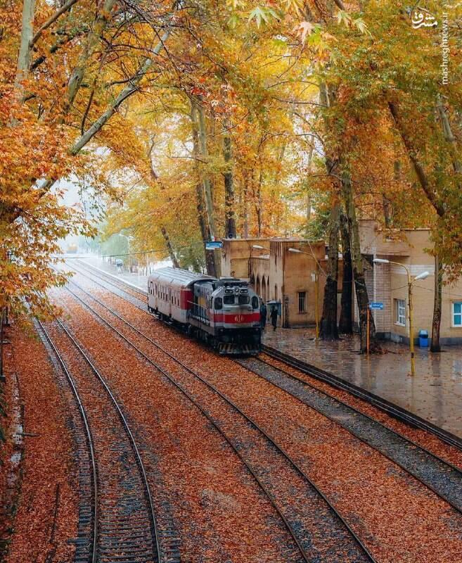 زیباییهای پاییز در ایستگاه راهآهن بیشه لرستان