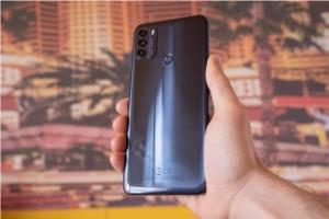 موتورولا بهزودی دو گوشی هوشمند میانرده 5G معرفی خواهد کرد