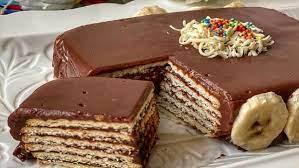 کیک یخچالی راحت با بیسکویت