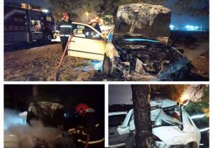 آتشسوزی خودرو پس از برخورد با درخت در گرگان