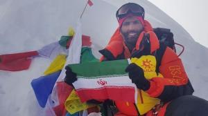 جدال کوهنورد اصفهانی با مرگ برای صعود به قله اورست