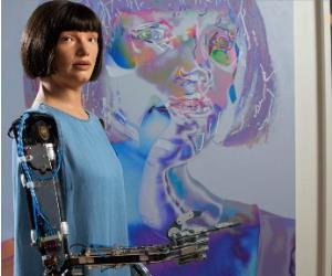 ربات نقاش با اتهام جاسوسی دستگیر شد
