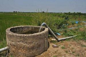 انسداد ۴۹ حلقه چاه غیرمجاز در شهرستان رزن