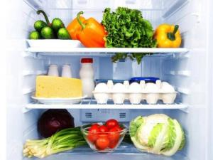 مدت زمان نگهداری انواع مواد غذایی در یخچال و فریزر چقدر است؟