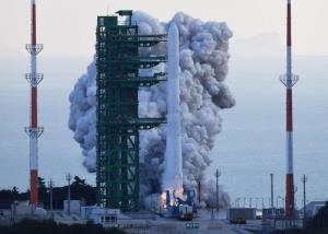 کره جنوبی اولین موشک ساخت خود را با موفقیت به فضا پرتاب کرد