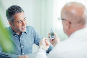 حفظ قندخون ایده آل به کاهش ریسک سکته و حملات قلبی مکرر کمک می کند
