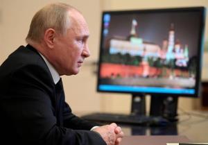 هاآرتص: چرا دیدار آتی نخست وزیر اسرائیل با پوتین درمورد ایران مهم است؟