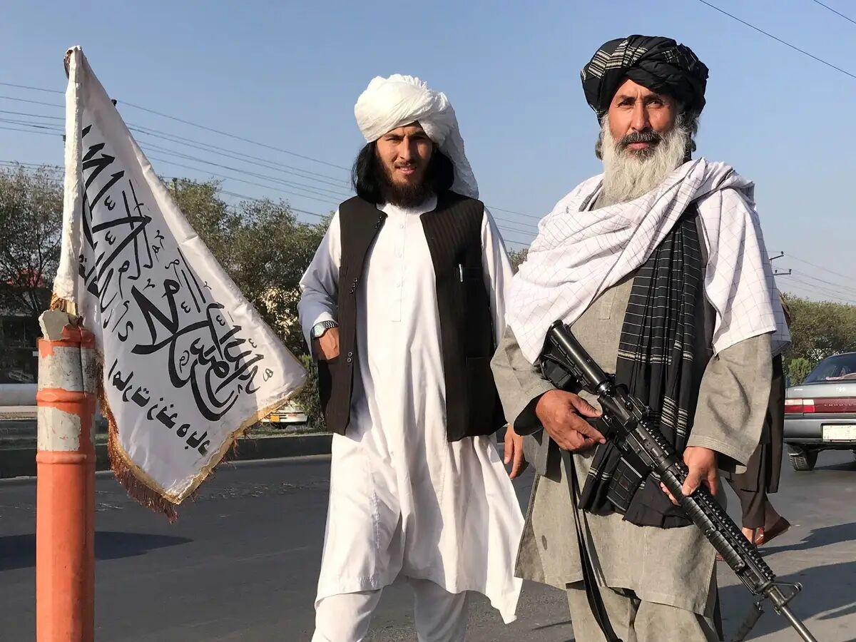دو گروه که میگویند طالبان هستند!