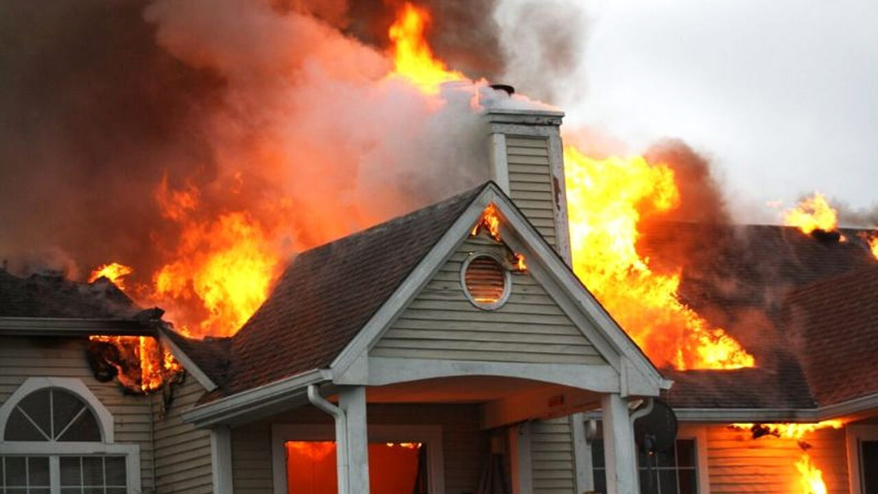آتش زدن یک خانه توسط زن همسایه!