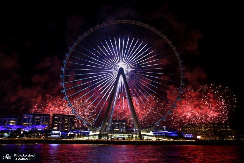 آتشبازی در مراسم افتتاحیه بلندترین چرخ و فلک جهان در دبی