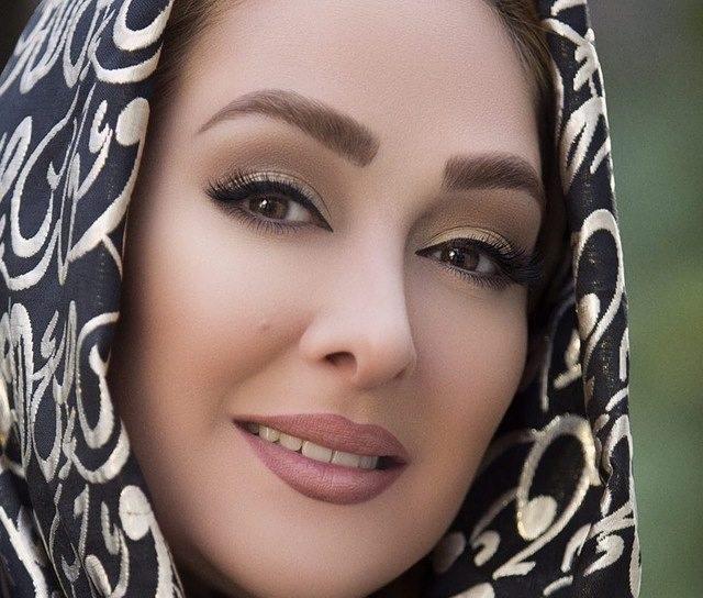 چهره ها/ عکس جدید الهام حمیدی با روسری هنری