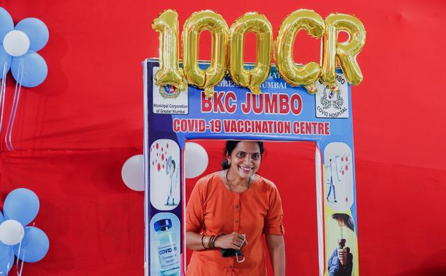 عکس/ هند تزریق یک میلیارد دز واکسن را جشن گرفت