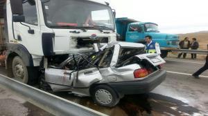 تصادف کامیونت با پراید ۴ کشته برجای گذاشت