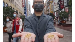 4 گوشه دنیا/ پرتاب کردن هزار قطعه طلا در سطل زباله به نشانه اعتراض