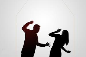 «همسرآزاری»؛ دردی که همپای آسیبهای اجتماعی نمایانتر میشود