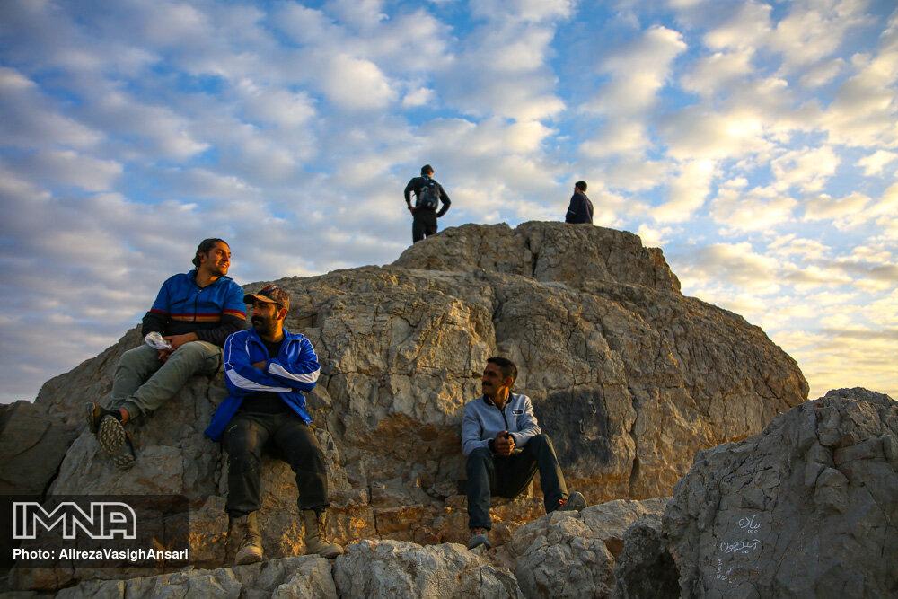 کوه صفه میعادگاه کوهنوردان اصفهانی