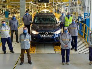 ضربه بحران جهانی تراشه به شرکت خودروسازی رنو