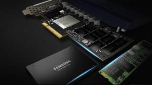 سامسونگ همچنان بر صدر تولید حافظه فلش NAND در جهان