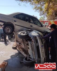 پرواز ۴۰۵ بر روی ۳ خودرو در میدان آیتالله صدر رفسنجان