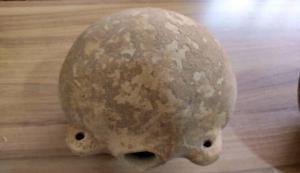 کشف اشیای ۳ هزار ساله در یک انبار دارو