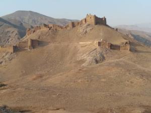 احیای دیوارهای تدافعی دژشهر تاریخی سمیران در قزوین